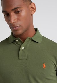 Polo Ralph Lauren - REPRODUCTION - Poloshirt - supply olive - 4