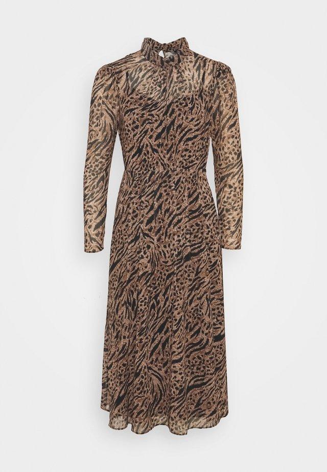 LONG SLEEVE MIDI DRESS - Denní šaty - brown