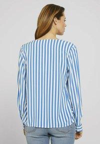 TOM TAILOR DENIM - Blouse - mid blue white stripe - 2