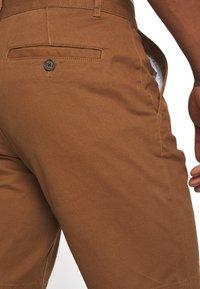 Burton Menswear London - 2 PACK - Shorts - navy/toffee - 5