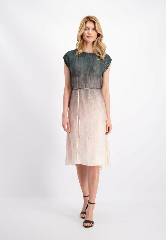 KLEID - Korte jurk - grafitmuster