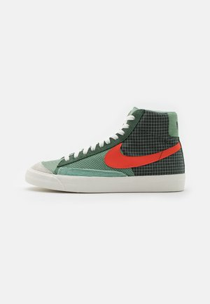 BLAZER MID '77 PATCH - Zapatillas altas - dutch green/orange/galactic jade