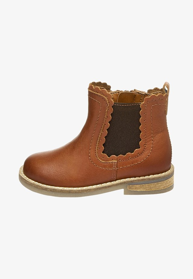 CHELSEA SCALLOP  - Classic ankle boots - brown