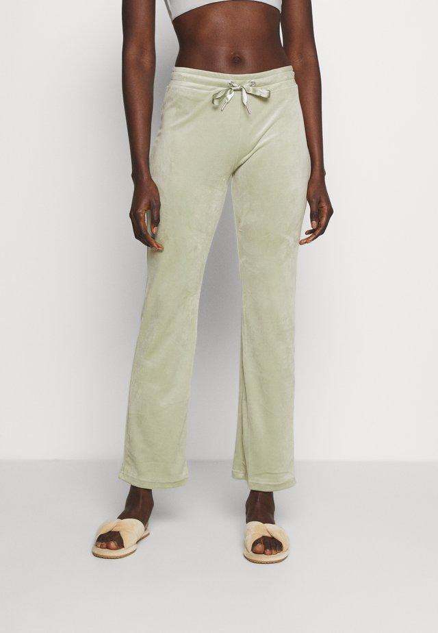 CECILIA TROUSERS - Pantaloni del pigiama - desert sage