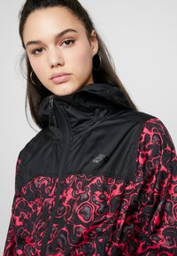 The North Face - PRINT CYCLONE - Summer jacket - rose red - 4
