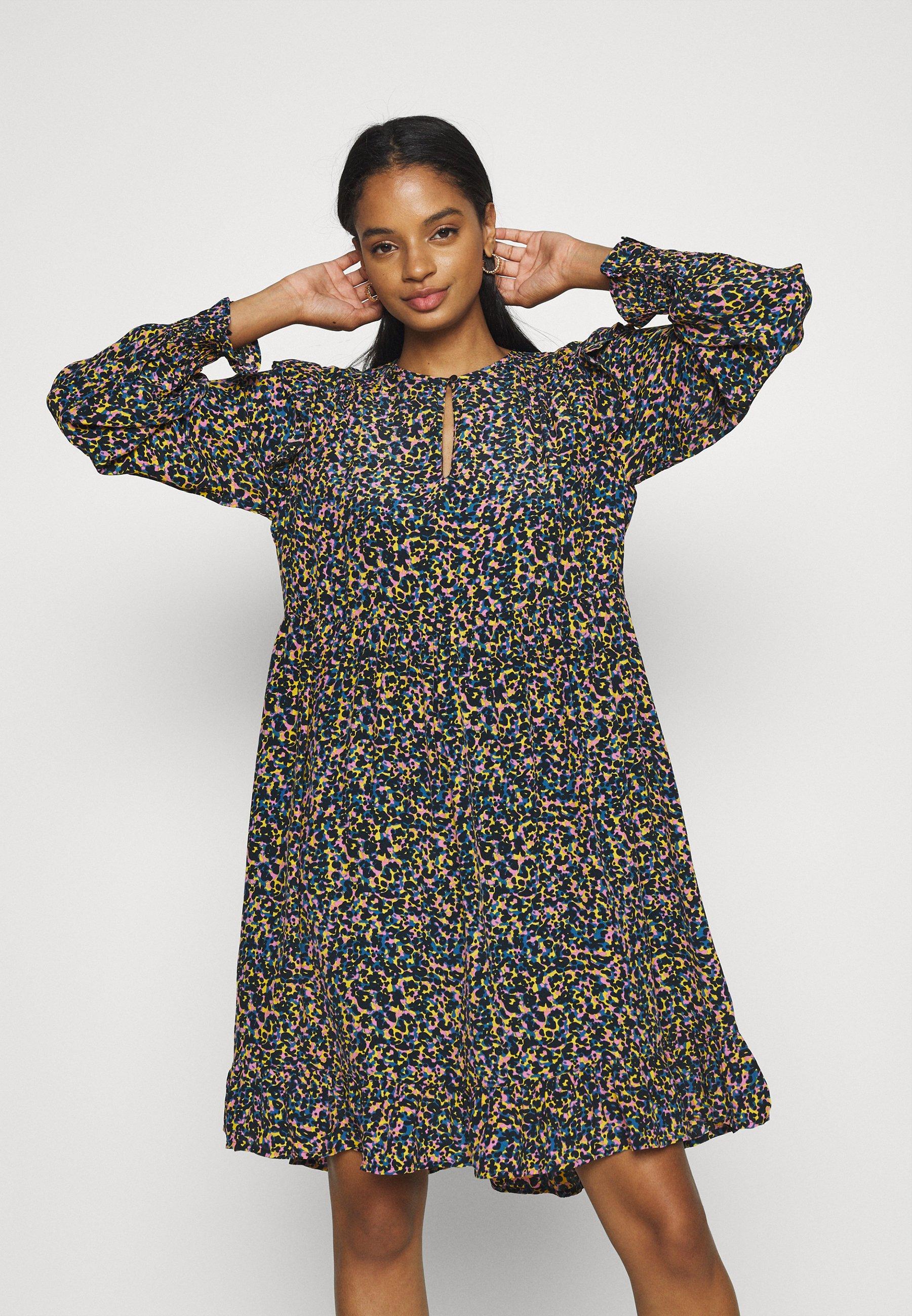 Women PRINTED DRAPEY DRESS WITH SHOULDER RUFFLES - Day dress