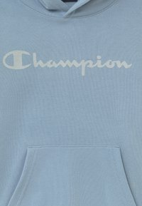 Champion - LEGACY AMERICAN CLASSICS HOODED - Jersey con capucha - light blue - 3