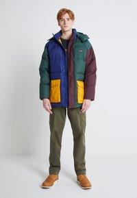 Levi's® - XX TAPER CARGO II - Cargo trousers - olive - 2