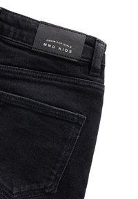 Mango - ISABEL - Shorts di jeans - black denim - 2