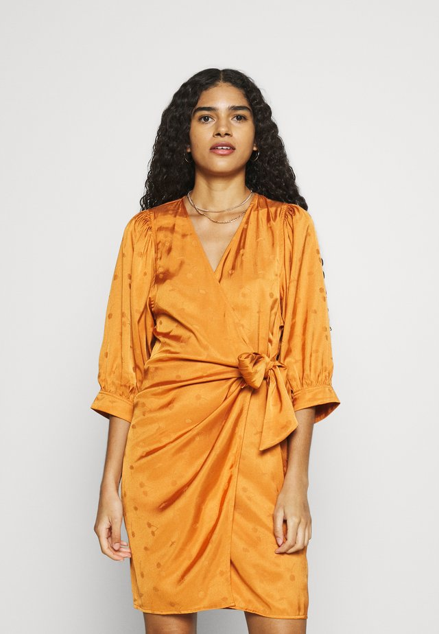 CELESTINA WRAP DRESS  - Juhlamekko - golden ochre