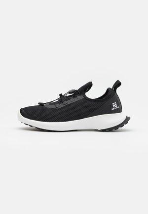 SENSE FEEL 2 - Trail running shoes - black/white