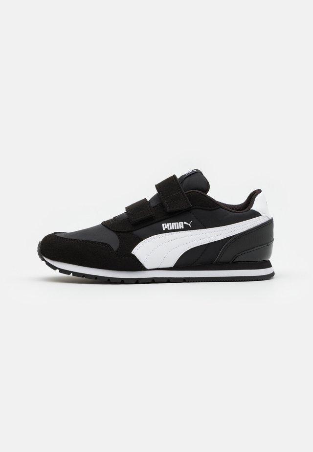 ST RUNNER V2 - Sneakers laag - black/white