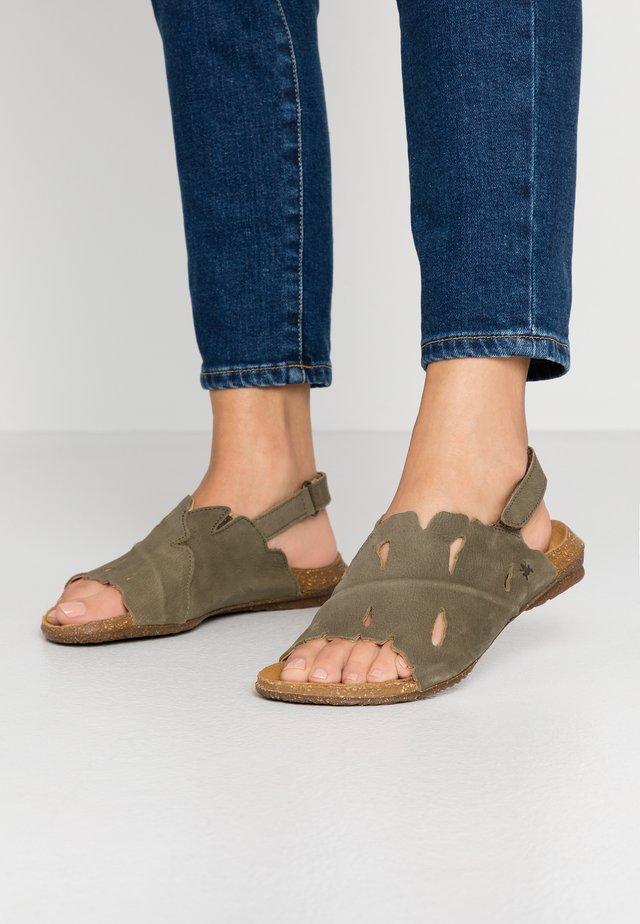 WAKATAUA - Sandaalit nilkkaremmillä - kaki