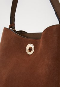 L. CREDI - FIORETTA - Handbag - cognac - 5