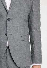 Selected Homme - SHDNEWONE MYLOLOGAN SLIM FIT - Suit - medium grey melange - 7