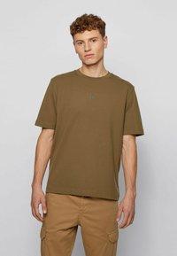 BOSS - Basic T-shirt - khaki - 2