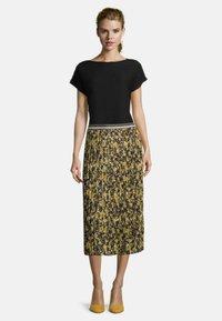 Betty Barclay - Pleated skirt - grün/schwarz - 1