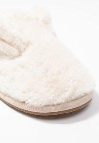Vero Moda - VMLISE - Slippers - pristine - 2