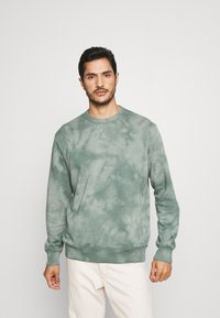 GAP - TIE DYE CREW - Sweatshirt - gasoline green - 0