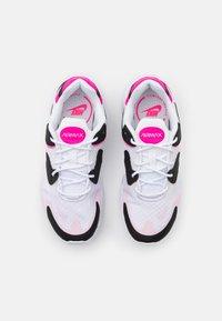 Nike Sportswear - AIR MAX 2X - Trainers - white/pink glow/pink foam/hyper pink/black - 5