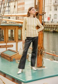 HOSBJERG - ANNA LONG SLEEVE - Bluzka z długim rękawem - beige - 2