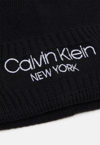 Calvin Klein - BEANIE UNISEX - Beanie - black - 2