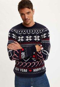 DeFacto - NEW YEAR - Stickad tröja - navy - 0