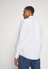 Jack & Jones - JJEOXFORD SHIRT  - Shirt - white - 2