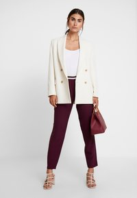 Betty & Co - LANG - Trousers - purple red - 2