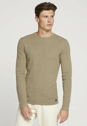 ZIGZAG STRUCTURED CREWNECK - Stickad tröja - soft pale khaki melange