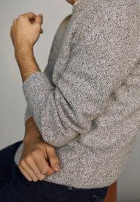 Massimo Dutti - FIVE-POCKET IM  - Broek - blue - 5