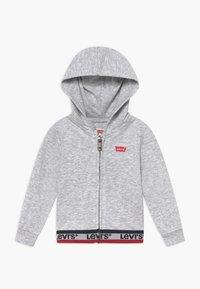 Levi's® - SPORTSWEAR FULL ZIP HOODIE - Mikina na zip - light gray heather - 0
