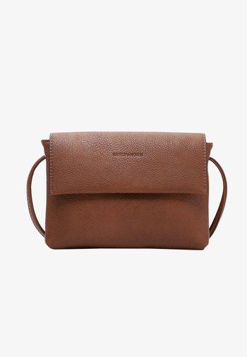 EMMA - Across body bag - cognac 700