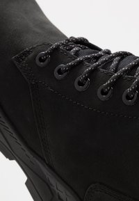Timberland - BROOKLYN 6 INCH BOOT - Lace-up ankle boots - black - 5