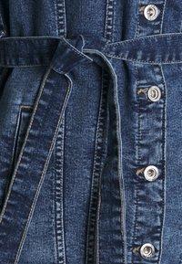 ONLY - ONLTIA LIFE LONG BELT  - Veste en jean - light blue denim - 6
