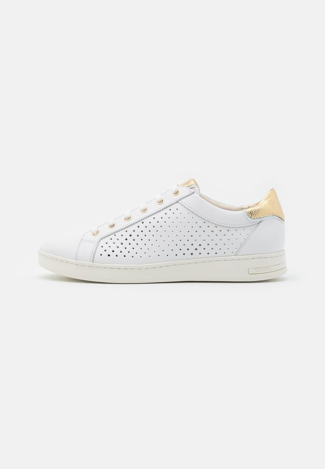 JAYSEN - Zapatillas - white/gold