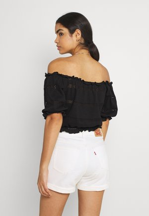 PCTAYLEE CROPPED - T-shirt con stampa - black