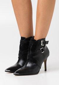 San Marina - VOTELLA - High heeled ankle boots - noir - 0
