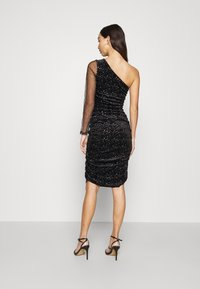 Missguided - COSTELLO ONE SHOULDER GLITTER BODYCON DRESS - Vestido de cóctel - black - 2