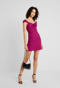 Fashion Union - ALEX - Vapaa-ajan mekko - cranberry - 1