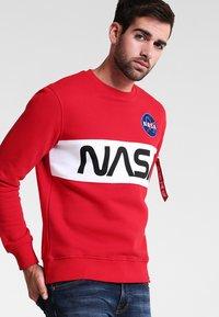 Alpha Industries - NASA INLAY  - Sweatshirt - speed red - 0