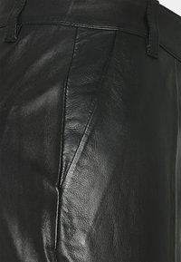 Bruuns Bazaar - PETRAH TILLY PANT - Leather trousers - black - 2