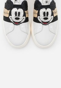 MOA - Master of Arts - DOUBLE GALLERY - Slip-ons - white - 6