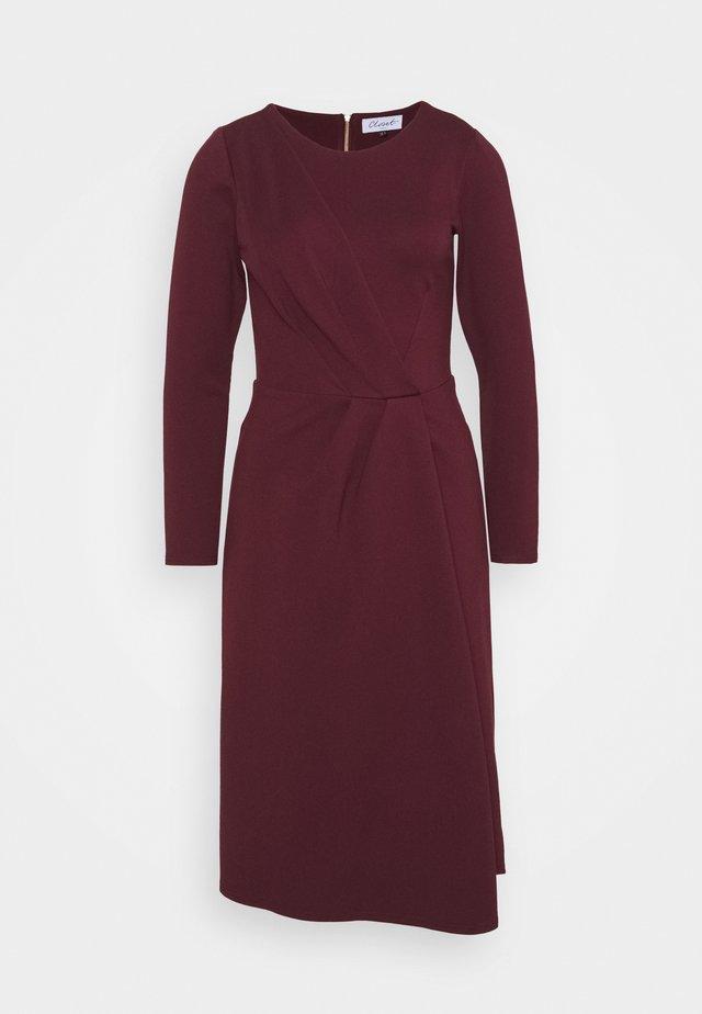 DRAPED FRONT A-LINE DRESS - Jersey dress - maroon