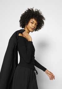 Guess - SONAY - Long sleeved top - jet black - 3