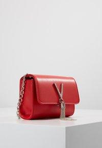Valentino by Mario Valentino - RANMA - Across body bag - rosso - 2