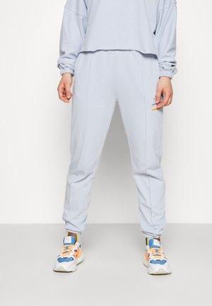 BENVEN PANT - Tracksuit bottoms - light blue