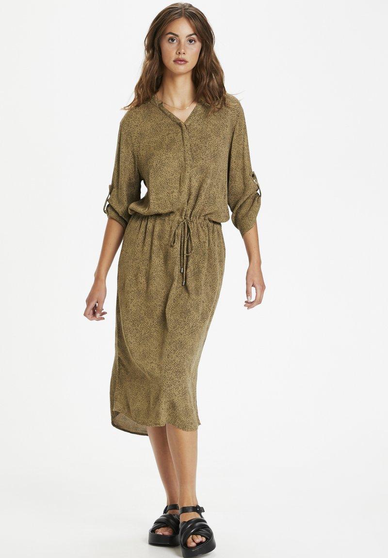 Soaked in Luxury - SL ZAYA  - Day dress - scattered dot print elmwood