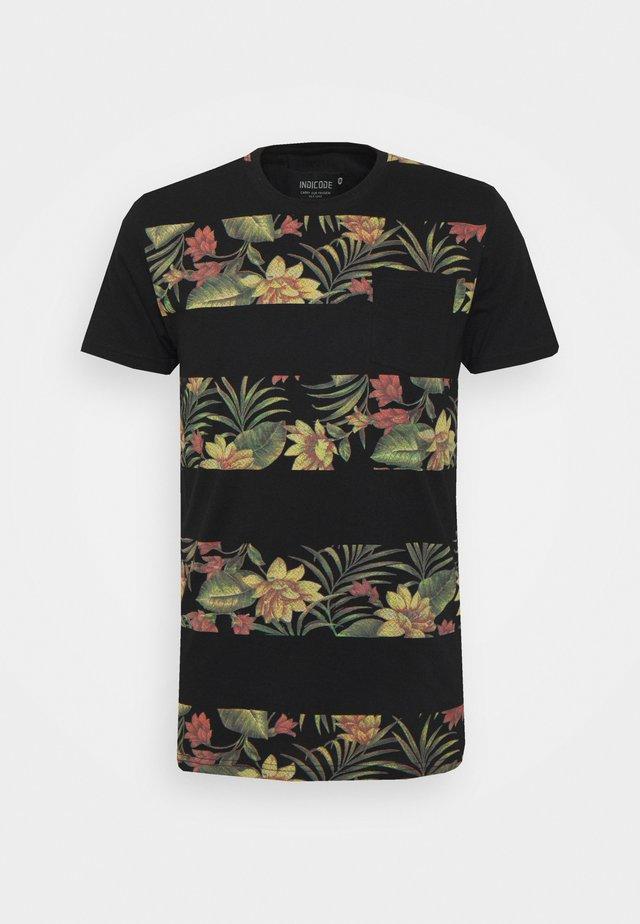 EPSLEY - T-shirt med print - black