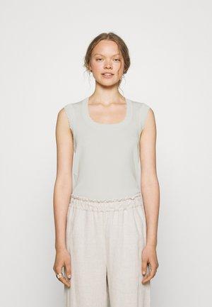 STACIEY - Basic T-shirt - natural
